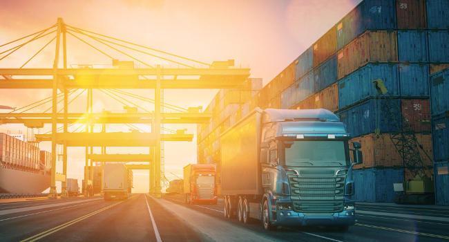 Brak kontenerów winduje ceny transportu